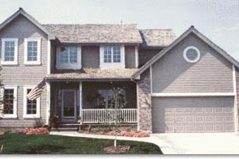 Traditional Exterior - Front Elevation Plan #20-714 - Houseplans.com