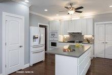 Craftsman Interior - Kitchen Plan #929-986