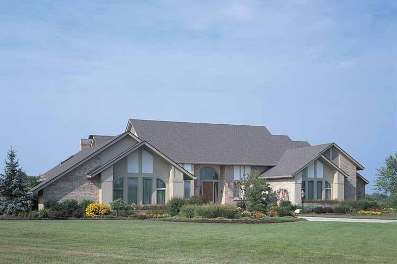 Home Plan - Contemporary Exterior - Front Elevation Plan #72-788