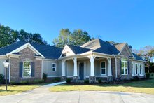 Architectural House Design - Craftsman Exterior - Front Elevation Plan #437-113
