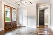 Dream House Plan - Craftsman Interior - Entry Plan #929-1040