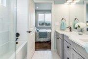 Craftsman Style House Plan - 3 Beds 2.5 Baths 2233 Sq/Ft Plan #1070-17 Interior - Master Bathroom