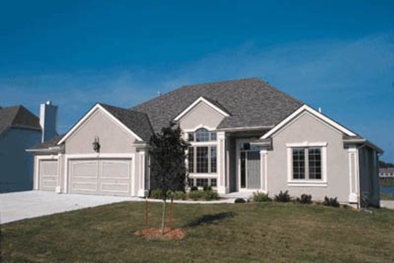 European Style House Plan - 3 Beds 2 Baths 1887 Sq/Ft Plan #20-605 Exterior - Front Elevation