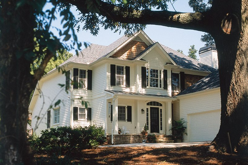 Traditional Exterior - Front Elevation Plan #927-762 - Houseplans.com