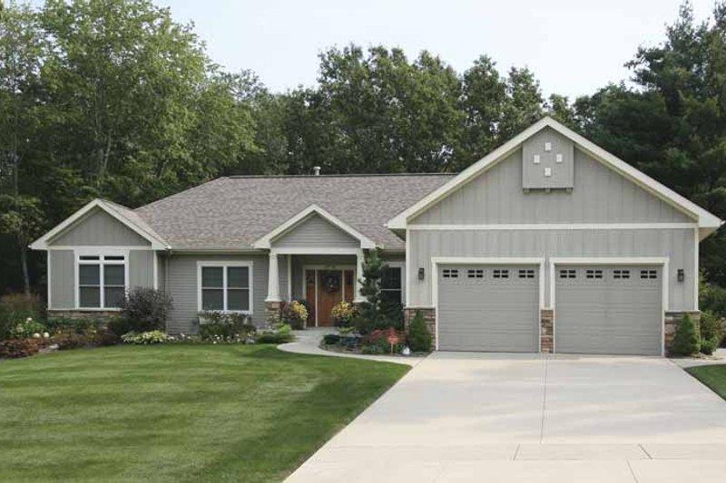 House Plan Design - Craftsman Exterior - Front Elevation Plan #928-133
