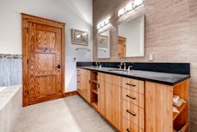 Prairie Interior - Master Bathroom Plan #1042-18