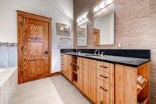 House Plan Design - Prairie Interior - Master Bathroom Plan #1042-18