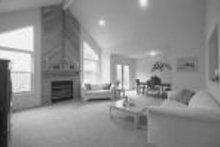 House Blueprint - Ranch Photo Plan #72-303
