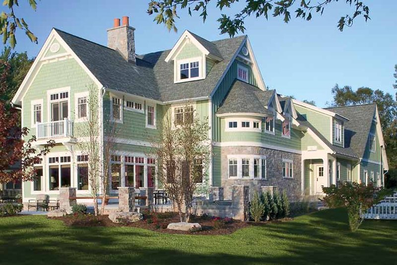 Traditional Exterior - Rear Elevation Plan #928-23 - Houseplans.com