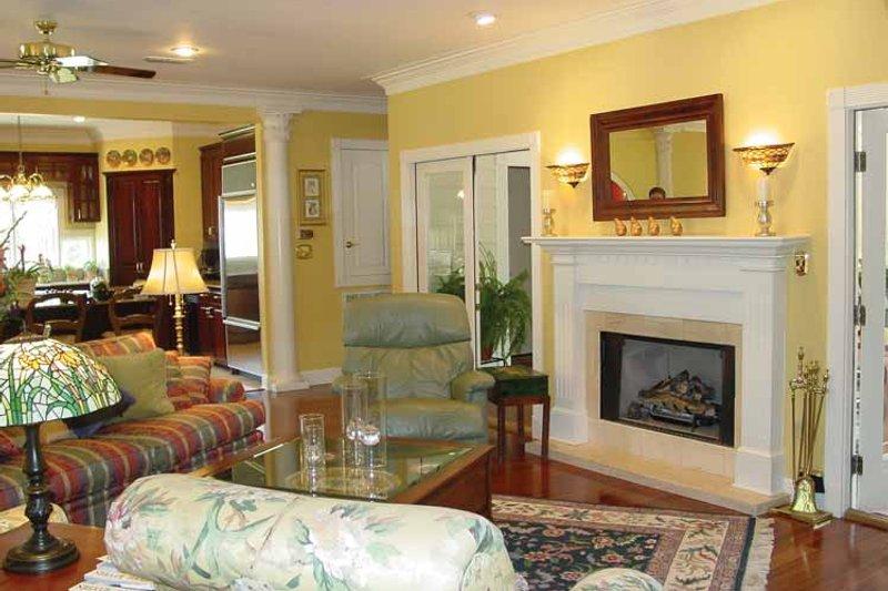 Colonial Interior - Family Room Plan #44-205 - Houseplans.com