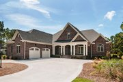 Traditional Style House Plan - 4 Beds 3 Baths 2531 Sq/Ft Plan #929-874 Exterior - Front Elevation