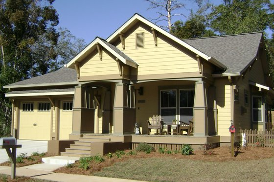 Craftsman Exterior - Front Elevation Plan #536-8
