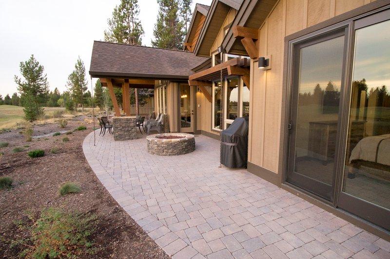 Craftsman Exterior - Outdoor Living Plan #892-11 - Houseplans.com