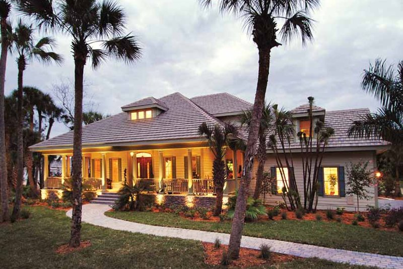 Dream House Plan - Country Exterior - Front Elevation Plan #930-331