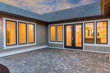 Craftsman Exterior - Outdoor Living Plan #895-82