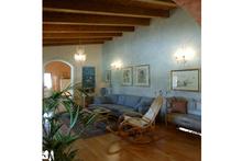 Contemporary Interior - Family Room Plan #542-12