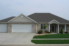 Home Plan - Ranch Exterior - Front Elevation Plan #1064-8