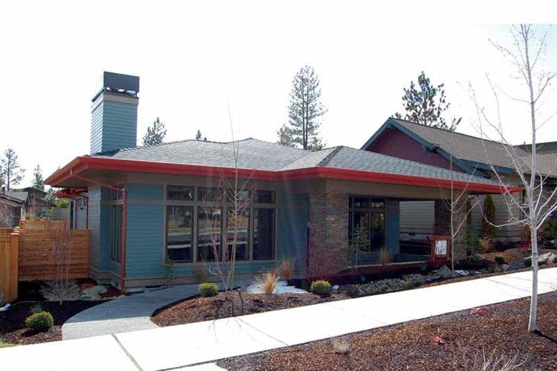 Prairie Exterior - Front Elevation Plan #895-70 - Houseplans.com