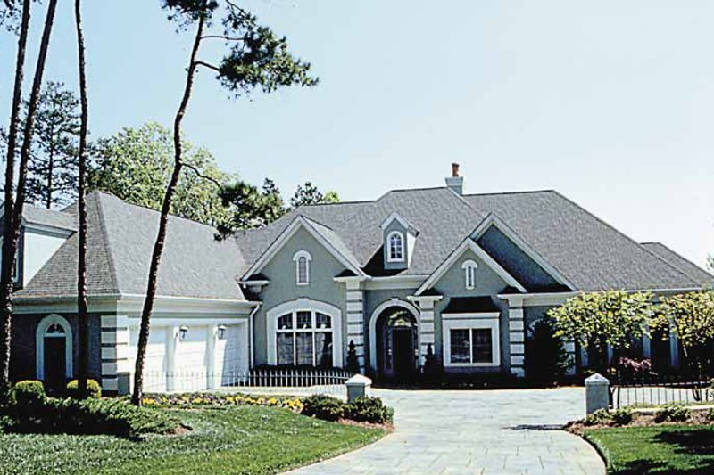 Architectural House Design - Traditional Exterior - Front Elevation Plan #453-189