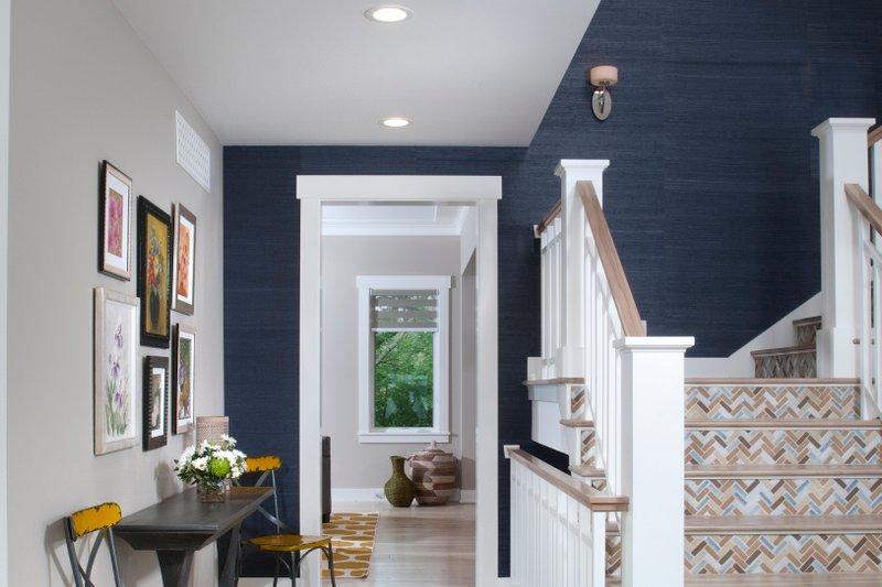House Design - Craftsman Interior - Entry Plan #928-317