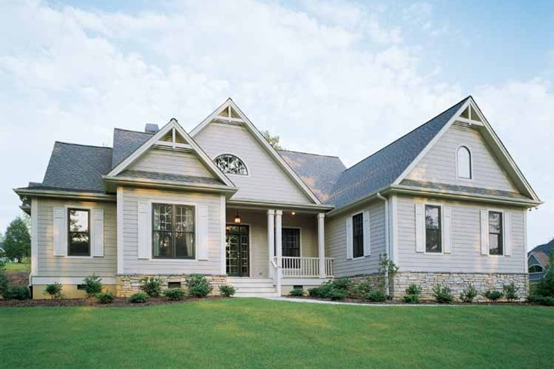 Craftsman Exterior - Front Elevation Plan #929-650