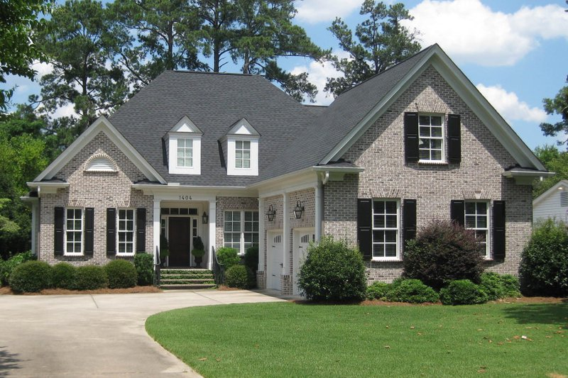 Architectural House Design - Traditional Exterior - Front Elevation Plan #1054-40
