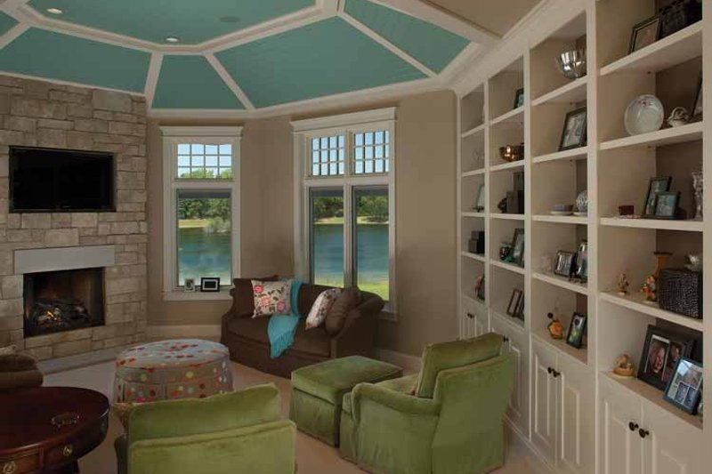 Country Interior - Family Room Plan #928-99 - Houseplans.com