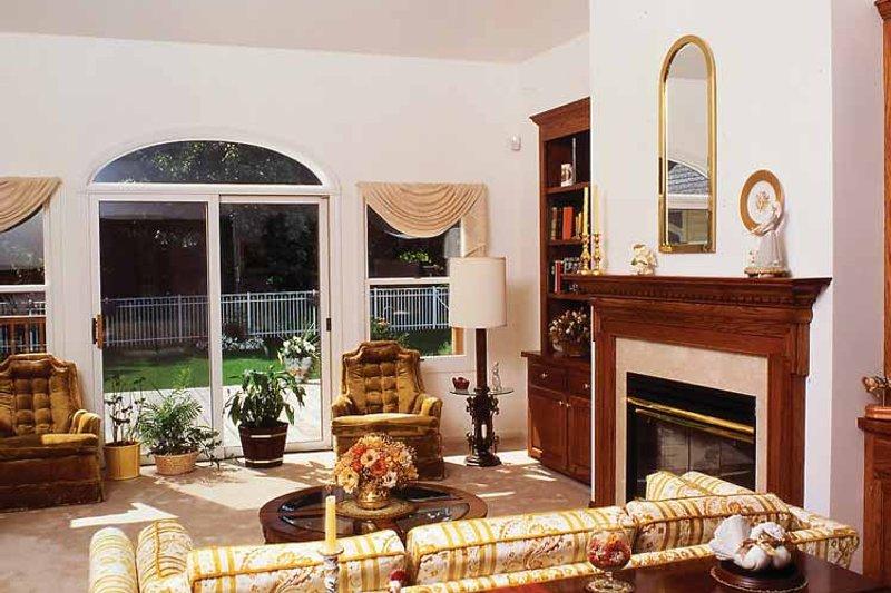 Country Interior - Family Room Plan #314-185 - Houseplans.com