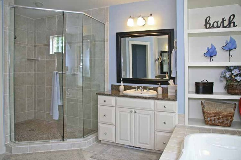 Craftsman Interior - Master Bathroom Plan #928-54 - Houseplans.com