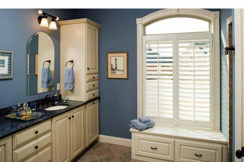 Country Interior - Master Bathroom Plan #929-542 - Houseplans.com