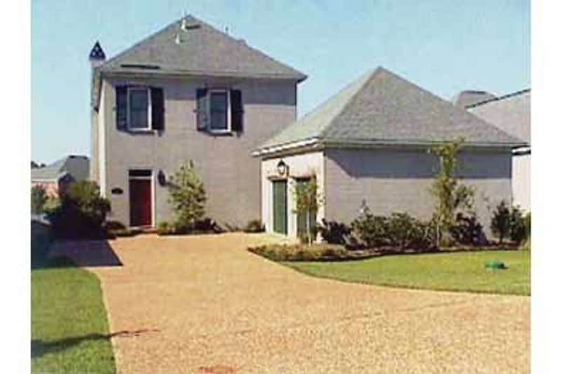 Traditional Exterior - Front Elevation Plan #15-384 - Houseplans.com