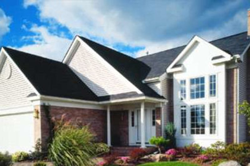 European Style House Plan - 3 Beds 2.5 Baths 1602 Sq/Ft Plan #320-383 Exterior - Front Elevation