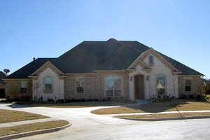Dream House Plan - Traditional Exterior - Front Elevation Plan #84-503