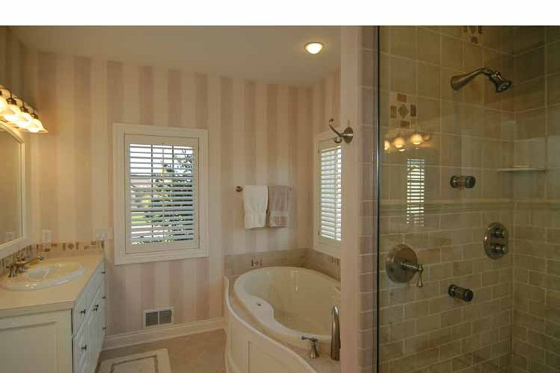 Traditional Interior - Master Bathroom Plan #928-222 - Houseplans.com