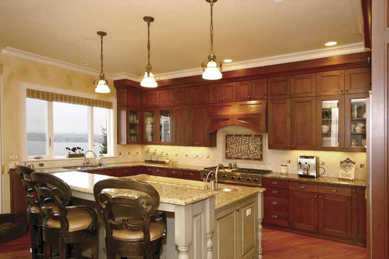 Craftsman Interior - Kitchen Plan #132-485 - Houseplans.com