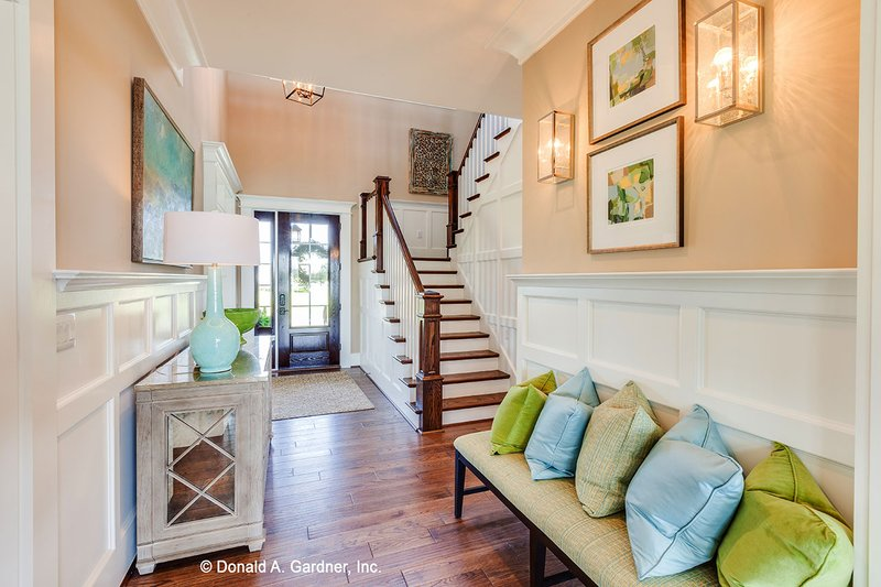 Craftsman Interior - Entry Plan #929-839 - Houseplans.com