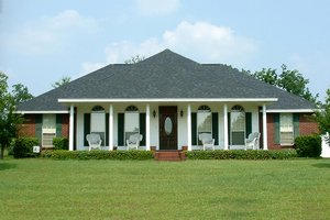 Colonial Exterior - Front Elevation Plan #44-102