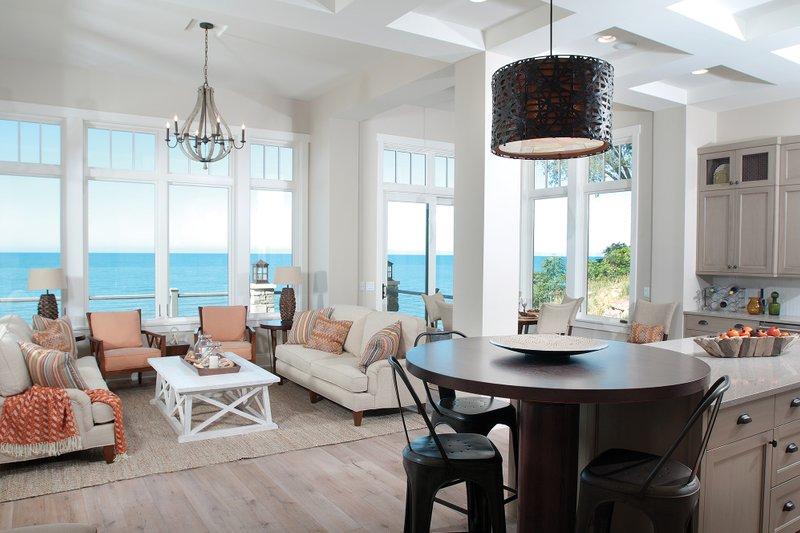 Traditional Interior - Family Room Plan #928-11 - Houseplans.com