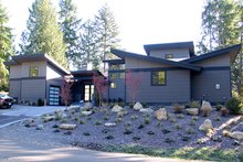Home Plan - Contemporary Exterior - Front Elevation Plan #132-563