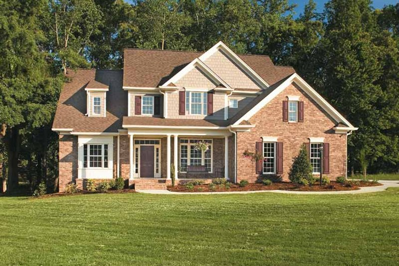 Traditional Exterior - Front Elevation Plan #927-862 - Houseplans.com