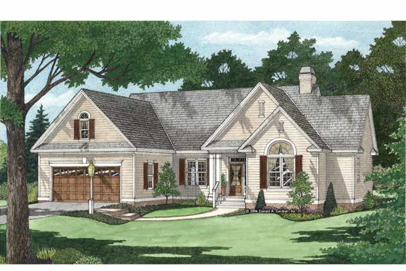 Traditional Exterior - Front Elevation Plan #929-880 - Houseplans.com