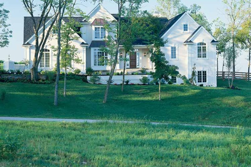 Traditional Exterior - Front Elevation Plan #46-637 - Houseplans.com