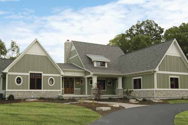 Bungalow Exterior - Front Elevation Plan #928-169 - Houseplans.com