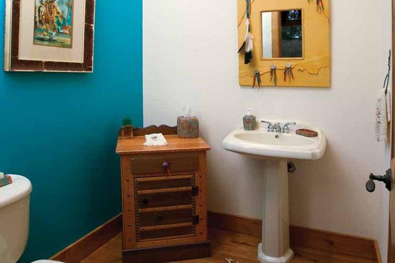 Craftsman Interior - Bathroom Plan #929-800 - Houseplans.com