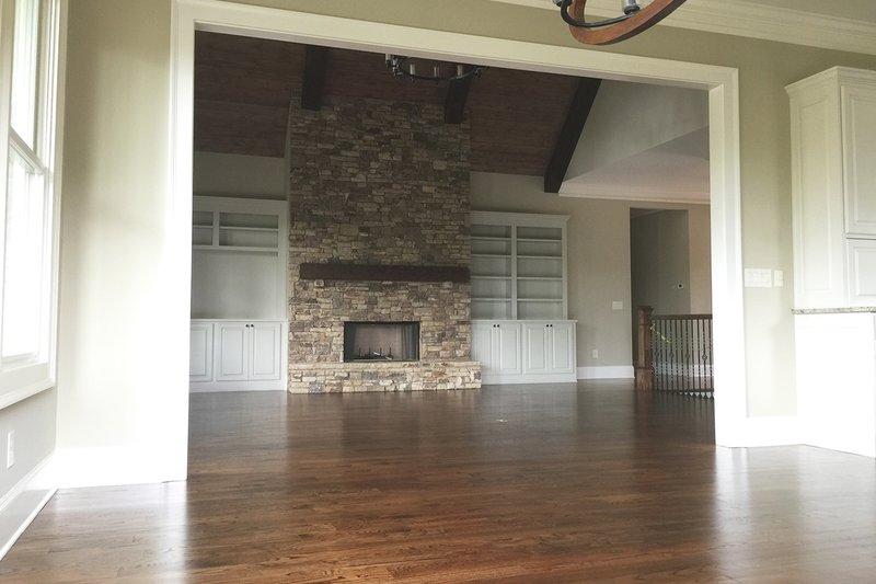 Craftsman Interior - Family Room Plan #437-59 - Houseplans.com