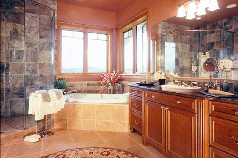 Craftsman Interior - Master Bathroom Plan #942-16 - Houseplans.com