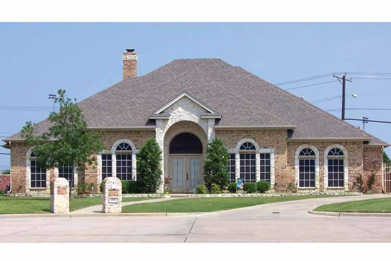 Traditional Exterior - Front Elevation Plan #84-706 - Houseplans.com