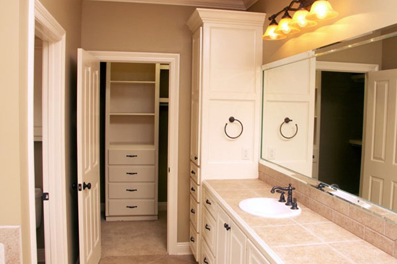 Traditional Photo Plan #21-285 - Houseplans.com