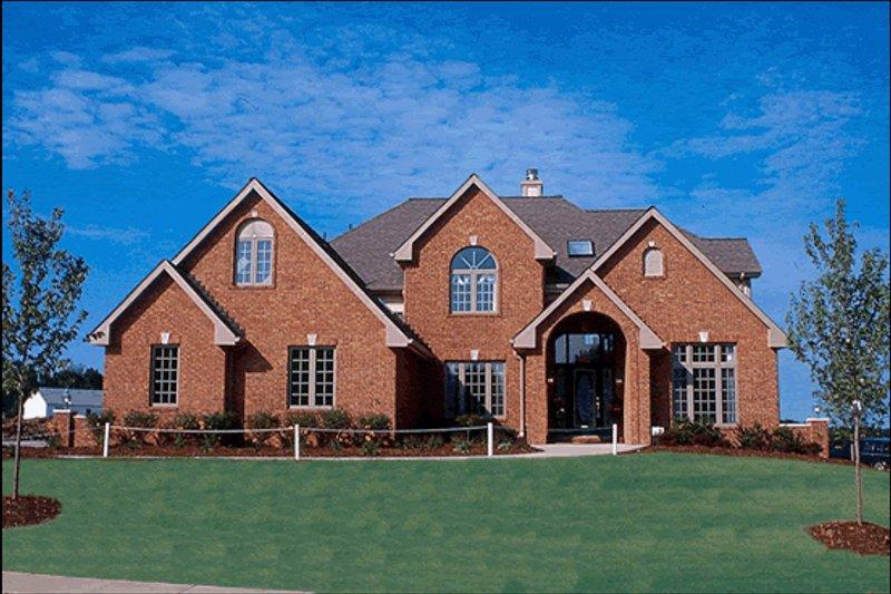Traditional Photo Plan #20-1044 - Houseplans.com