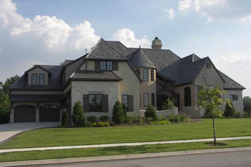 European Style House Plan - 4 Beds 5 Baths 6304 Sq/Ft Plan #458-21